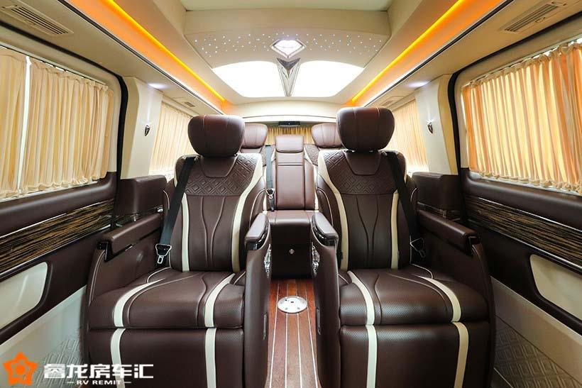 商务出行如此舒适,奔驰v260l商务车七座报价及图片