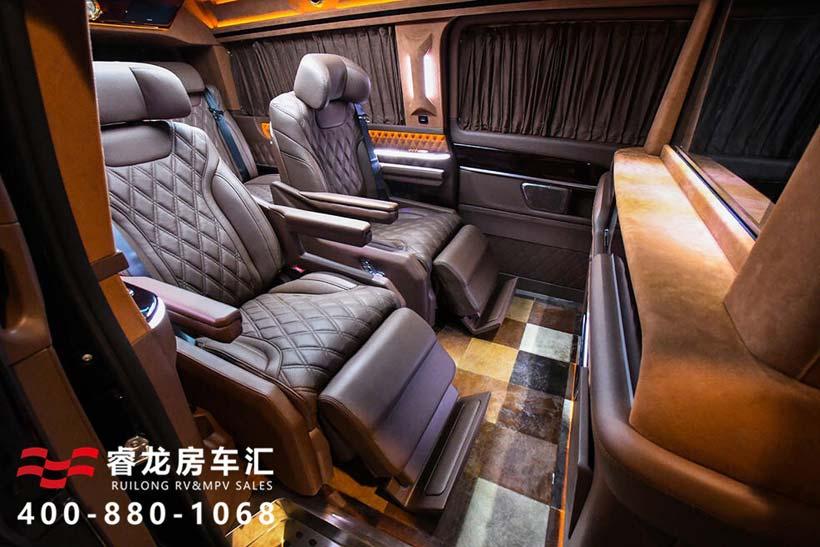2019全新奔驰V260L商务车威赫款 特价优惠88万